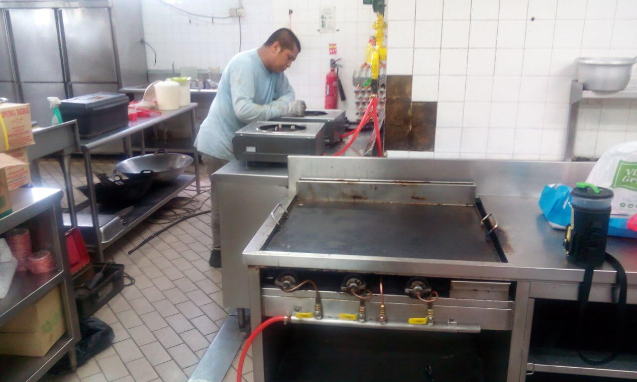 Maintenance and repair service for Hotel Kitchen Gas Stoves and Piping